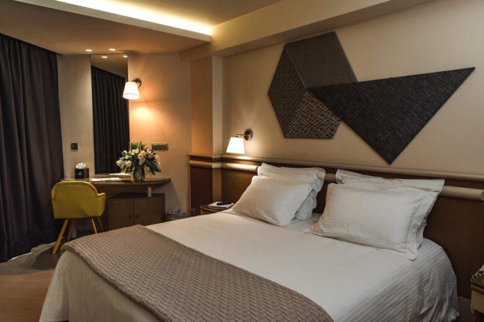 διαμονη στη γλυφαδα- Emmantina Hotel